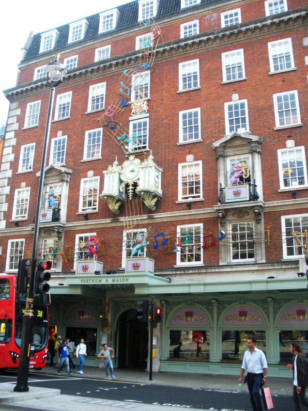 Fortnum & Mason, London by marktravel