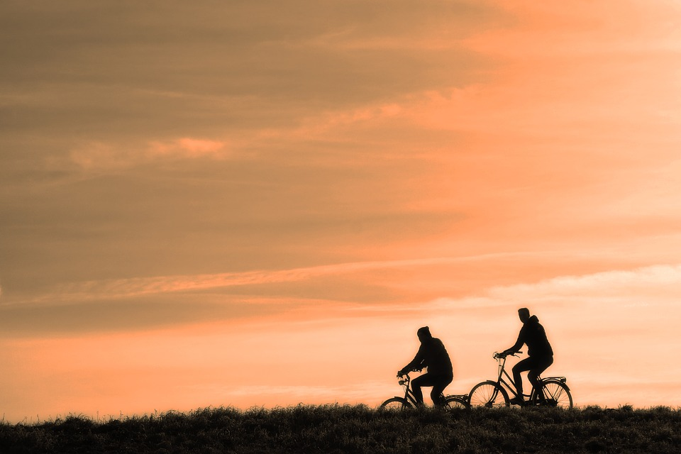 cycle in the evening