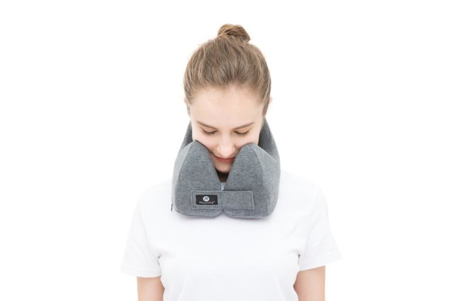Palmate Travel Pillow