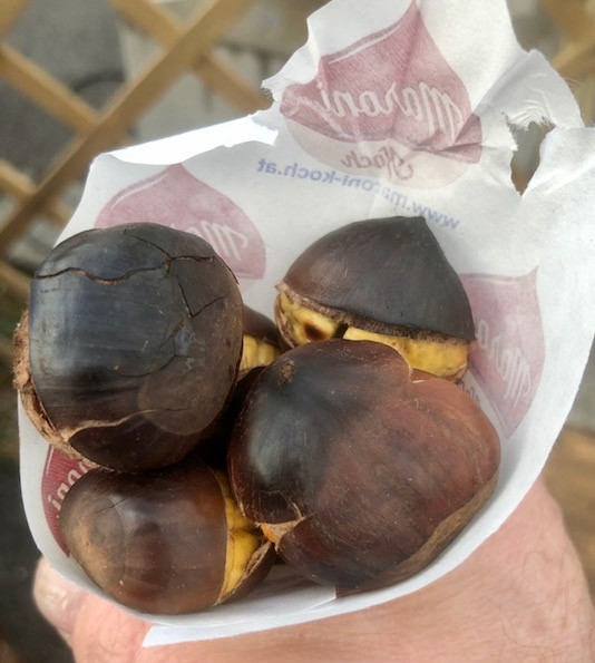 圣诞 in  维也纳  - Roasted Chestnuts