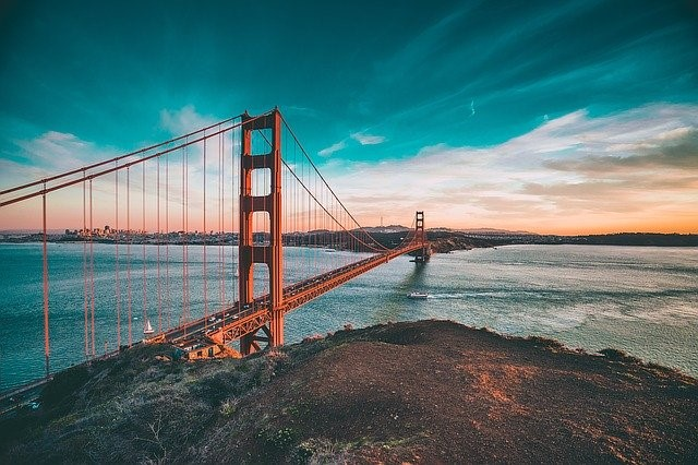 Best ways to experience San Francisco, looking at the Golden Gate Bridge
