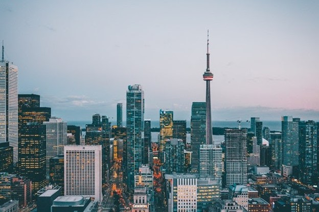a Toronto skyline with skyscrapers and CN Tower