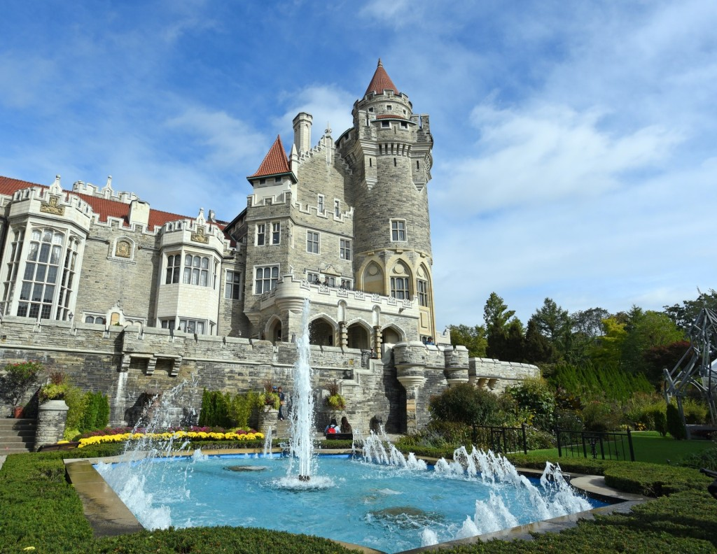 Casa Loma, one of the best places in Toronto that you should not miss